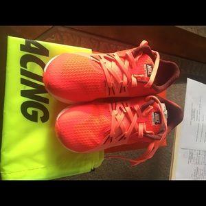 Nike shoes/flash Crimson